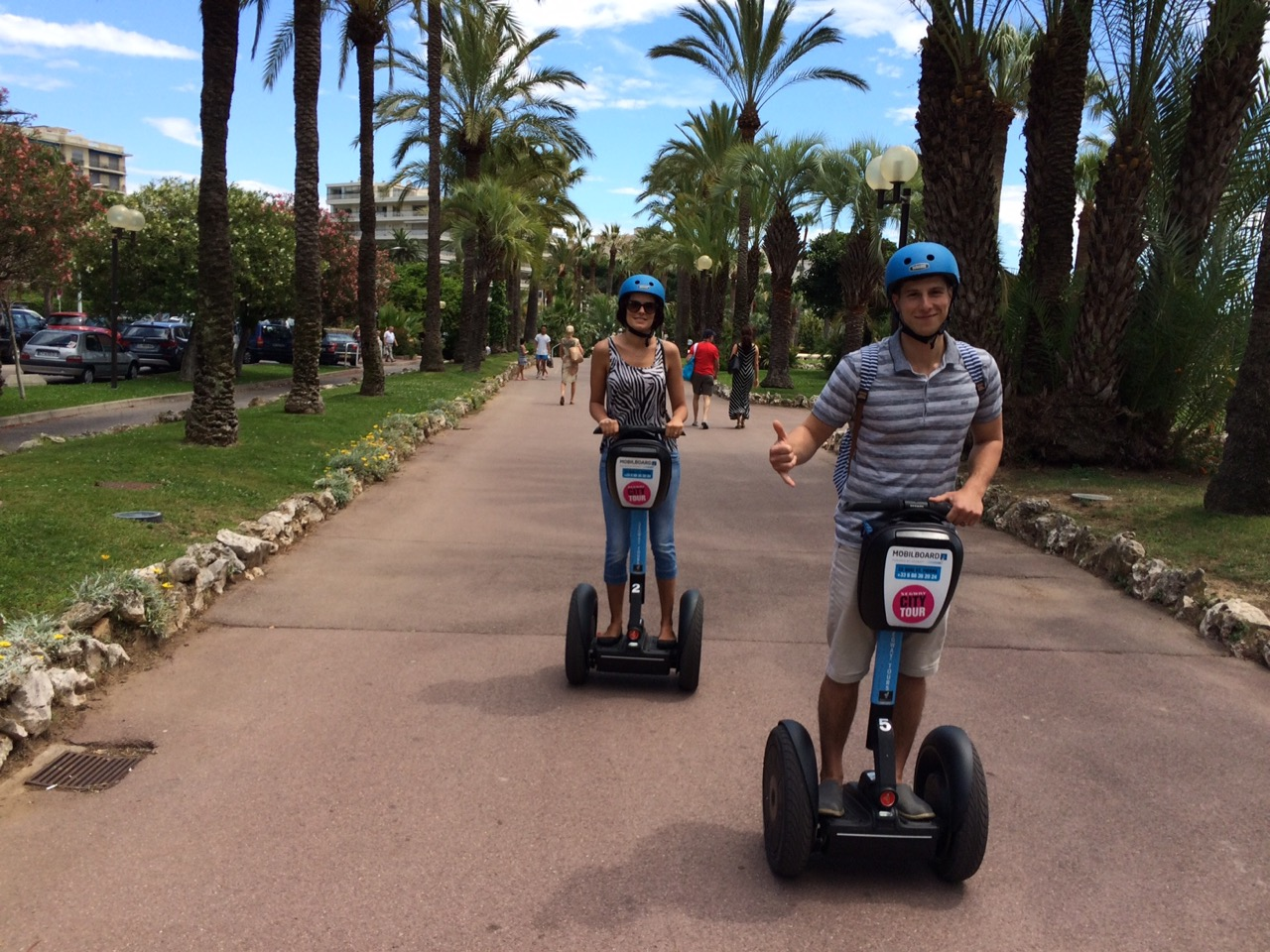 City Tour by MobilBoard Segway Cannes - Return to the shade of the palm trees, direction Le Suquet and its alleys